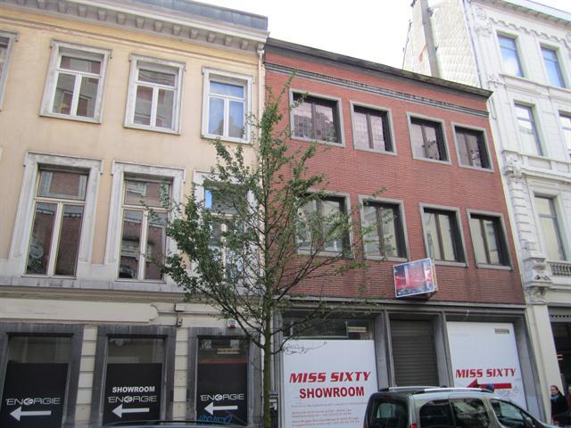 Makelaarskantoor De Meester, Commercieel Gebouw voor gemengd gebruik te 2000 Antwerpen